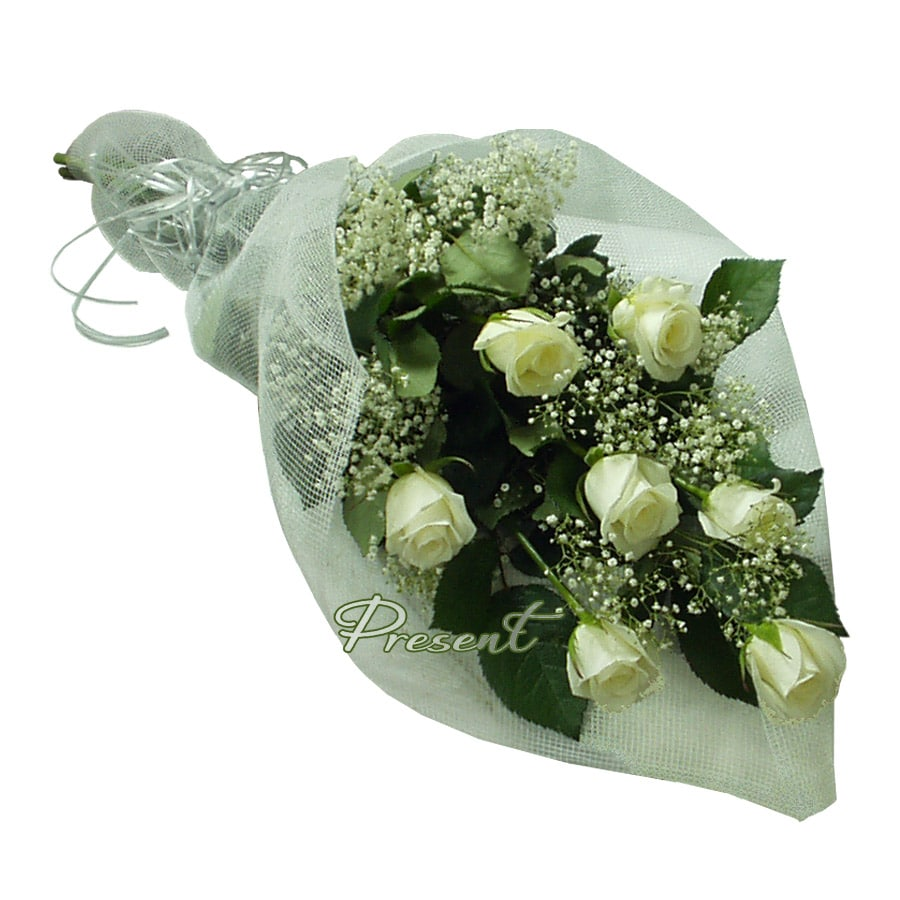Bouquet of roses decorated with verdure